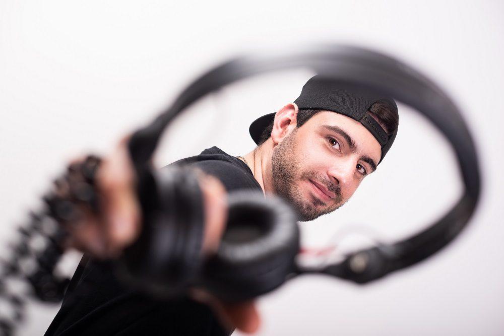 Charlie Atom Sold a Blasting Track to Jonas Aden on Fiverr!